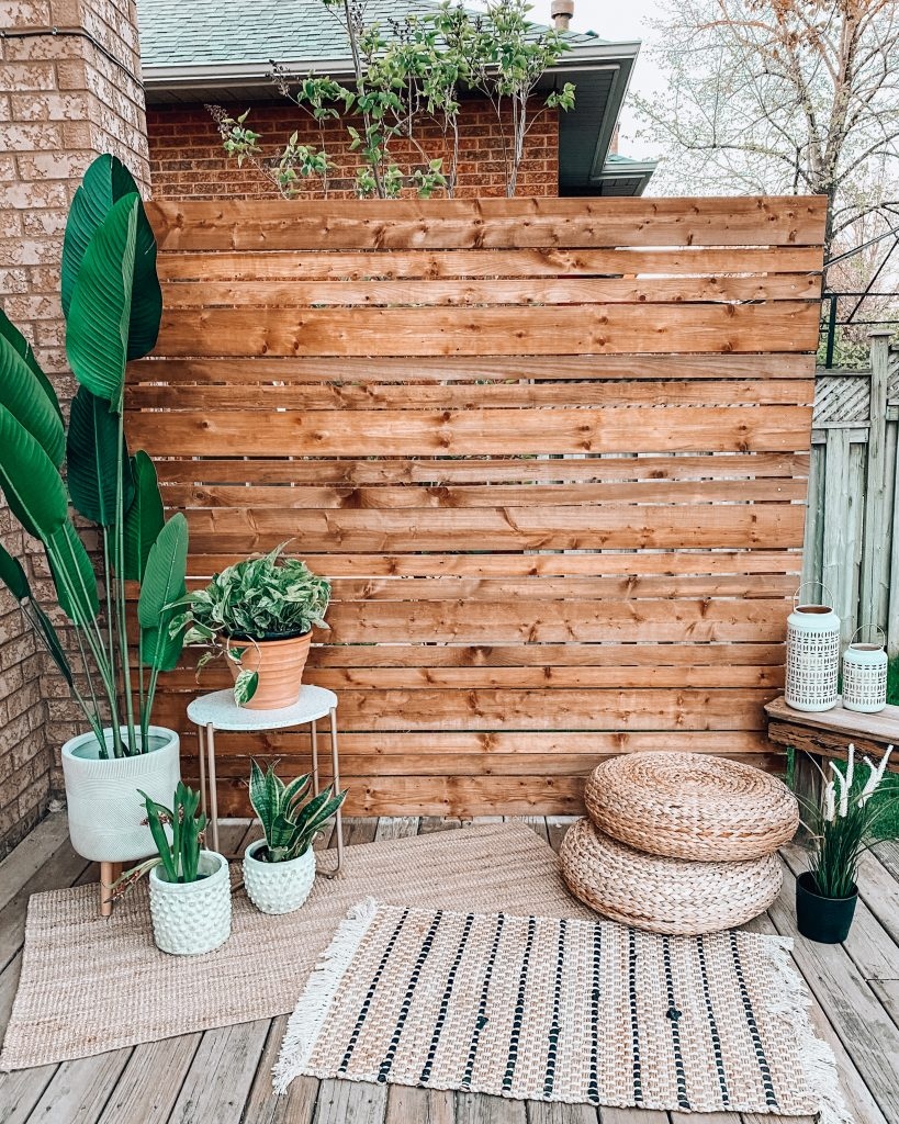 DIY Modern Outdoor Privacy Screen